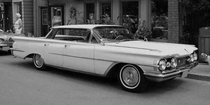 1959 balck and white Oldsmobile
