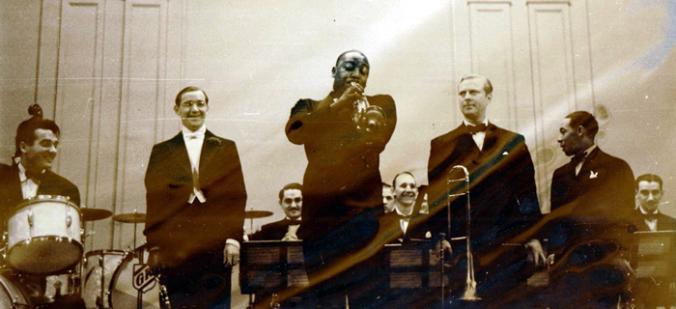 Gene Krupka, Benny Goodman, Cootie Williams, Vernon Brown, Johnny Hodges
